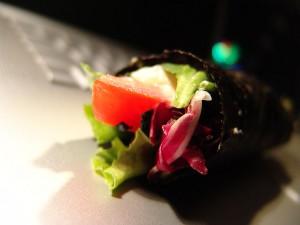 Tomato Tuna Nori Roll
